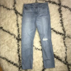 NWOT Perfect Straight Mid Rise Jeans